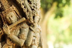 640px-krishna_statue_belur