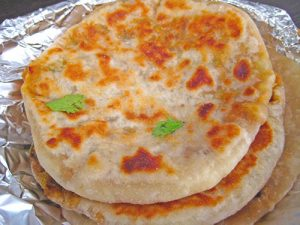Paneer Kulcha Recipe In Hindi With Video by Sameer Goyal